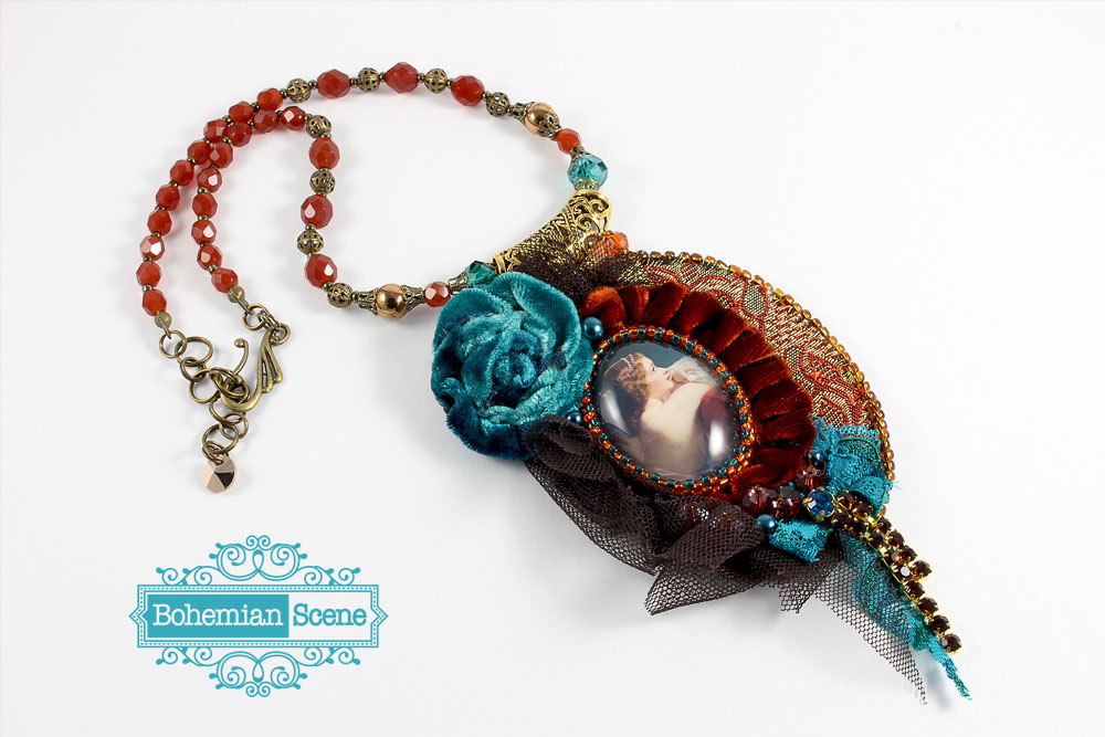 Victorian Beauty Velvet Necklace
